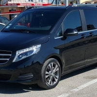 Rental vehicle for up to 7 passengers with chauffeur